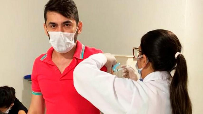 Imagem 2 da notícia Policlínica de Russas finaliza aplicação da primeira dose da vacina contra a Covid-19